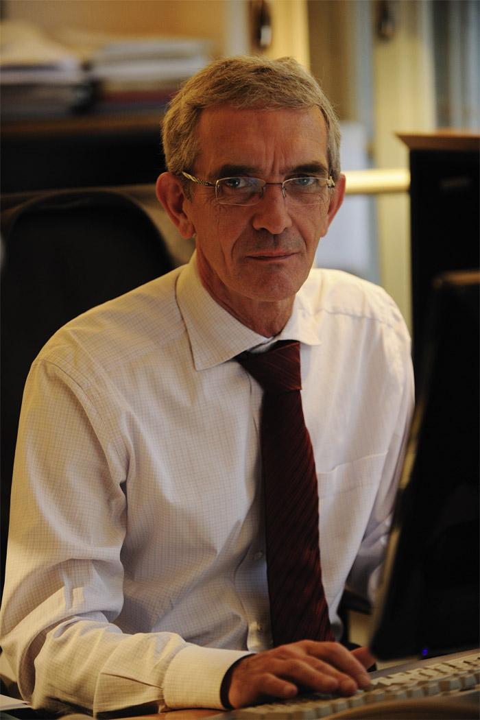 Dr. Gregor Basty